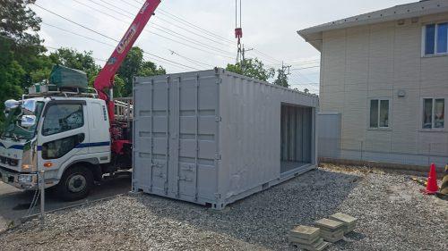 福島県郡山市20F中古コンテナグレー塗装シャッター取付加工済み画像